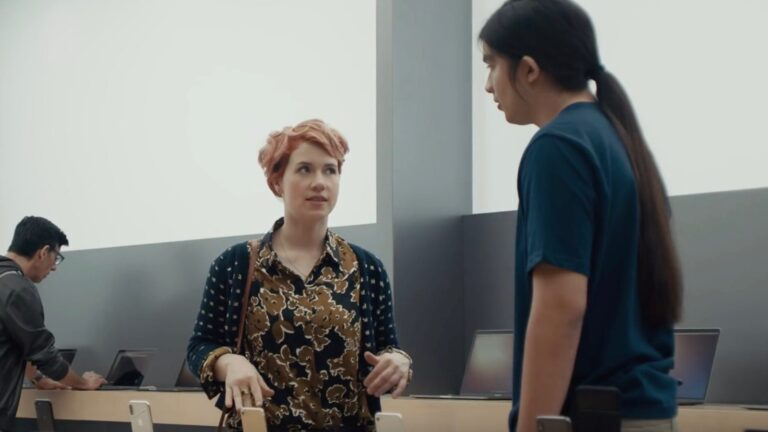 Samsung's new ad mocking iPhone X's Slow download speed