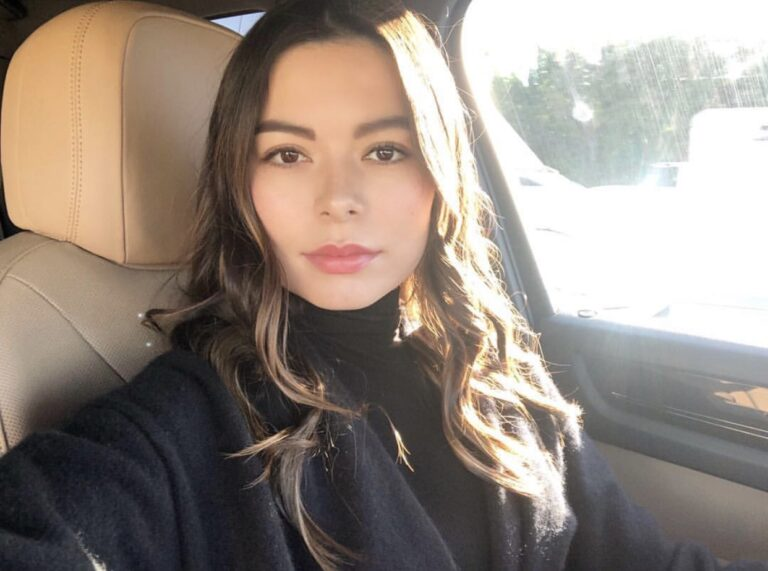 Miranda Cosgrove Dresses Up as Steve Jobs on Instagram