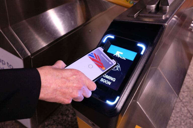 New York City Adding Apple Pay to Transit System on Friday