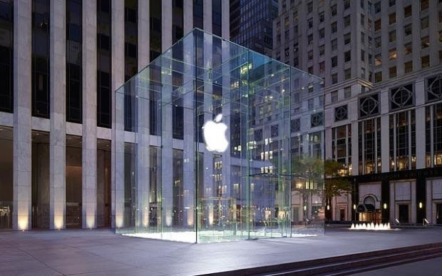 5th Ave Apple Store in New York City Gets Temporary Rubix Cube Makeover