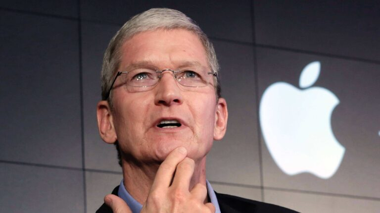 Apple Projected to Hit $2 trillion market cap in the next four years